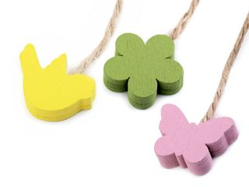 Drevený vtáčik, motýľ, kvet, srdce s motúzikom